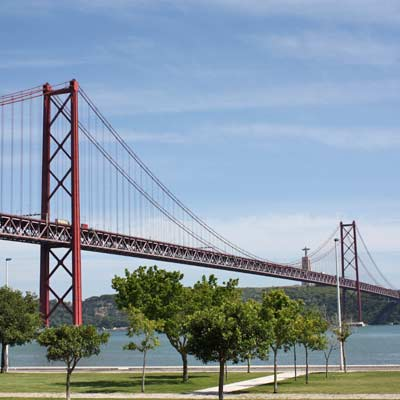 suspension bridge lisbon