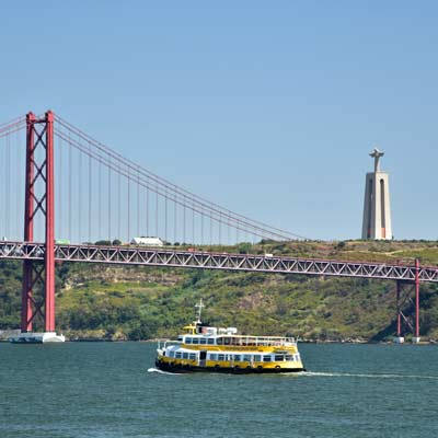 Tejo estuary tourist cruise boat
