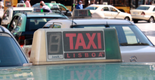 Lisbon airport taxi